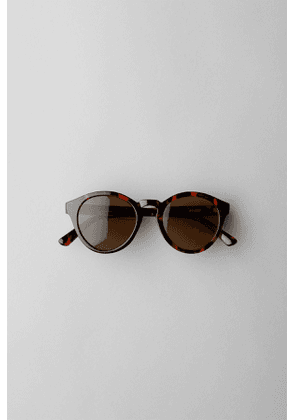 Transfer Rounded Sunglasses - Brown