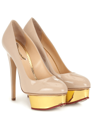 Dolly patent leather plateau pumps