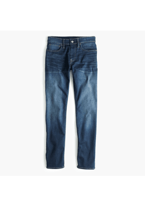 Destination 484 Slim-fit traveler jean in stretch THERMOLITE®