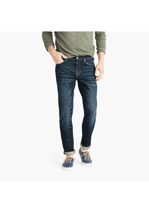 484 Slim-fit jean in stretch dark worn in Japanese denim