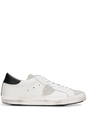 Philippe Model distressed low top sneakers - White