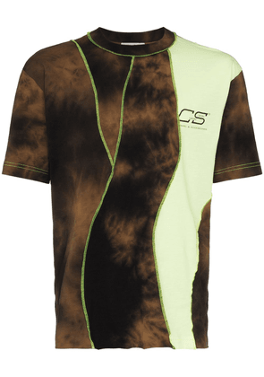 Cmmn Swdn panelled logo-print tie-dyed T-shirt - Brown