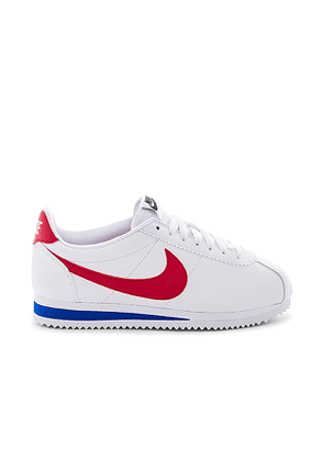 Nike Classic Cortez Leather Sneaker in White. Size 6.5,7,7.5,8,8.5,9,9.5.