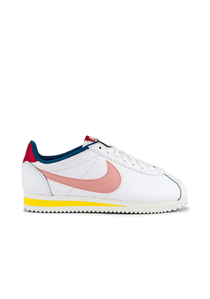 Nike Classic Cortez Leather Sneaker in White. Size 6,6.5,7,7.5,8,8.5,9,9.5.