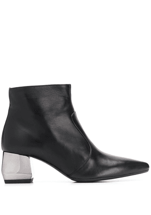 Anna Baiguera pointed ankle boots - Black