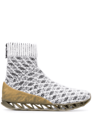 Bernhard Willhelm x Camper Together Himalayan sock boots - White
