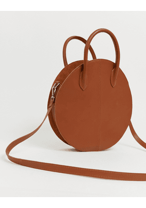 ASOS DESIGN leather structured circle shopper bag-Tan