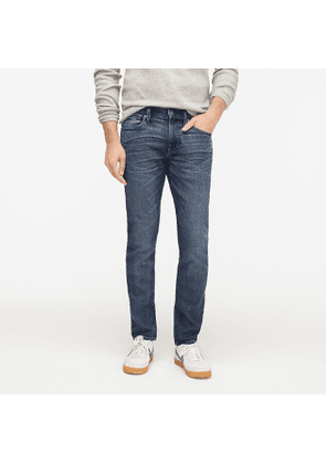250 Skinny-fit Stretch on Demand jean in broken-in wash