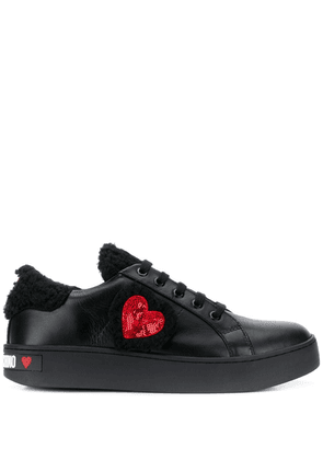 Love Moschino embellished heart low top sneakers - Black