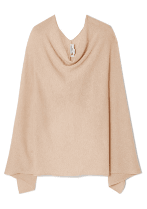 Johnstons of Elgin - Cashmere Poncho - Neutral