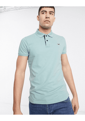 Hollister icon logo heritage slim fit pique polo in mint-Green