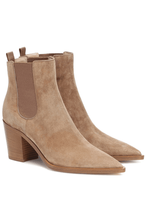 Romney 70 suede ankle boots
