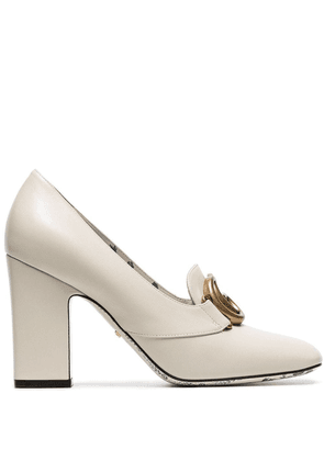 Gucci white Victoire 95 GG buckle loafer heels