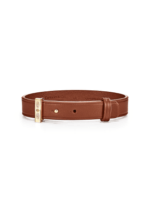 Tiffany 1837™ Makers saddle calfskin leather bracelet with gold, medium-large