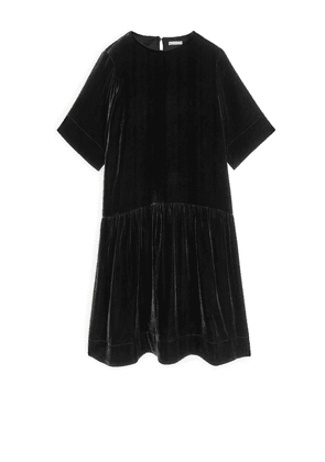 Dropped-Waist Velvet Dress - Black