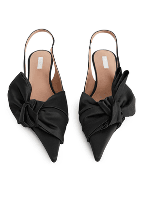 Slingback Kitten-Heel Pumps - Black