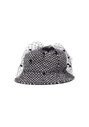 Pompom veil houndstooth tweed bucket hat
