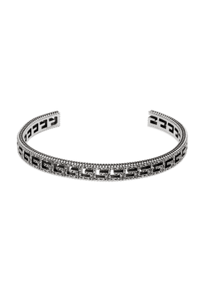 Silver bracelet with Square G