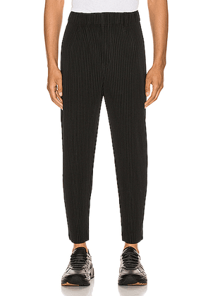 Issey Miyake Homme Plisse Cropped Tailored Pleats Pant in Black - Black. Size 1 (also in 2,3).