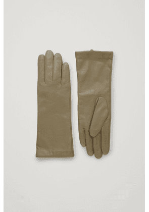 WIDE LEATHER GLOVES