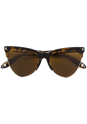 Givenchy Eyewear cat eye tinted sunglasses - Brown
