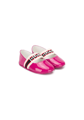 Gucci Kids logo stripe ballerina shoes - PINK