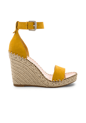 Dolce Vita Noor Sandal in Yellow. Size 10,7.5,8.5,9.5.