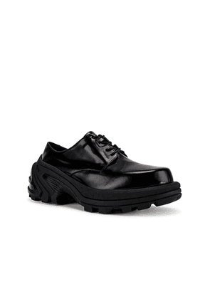 1017 ALYX 9SM Lace Up Low Derby With Removable Vibram Sole in Black - Black. Size 45 (also in 44).