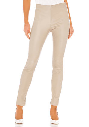 Theory Skinny Leather Legging in Beige. Size 6.