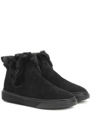 Wintery Feeling suede ankle boots