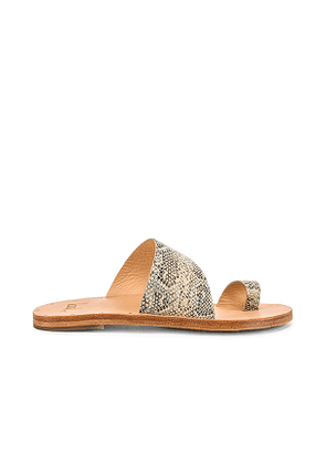Beek Finch Sandal in Beige,grey. Size 6,7,8,9.