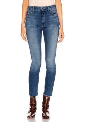 MOTHER High Waisted Looker Ankle Fray in Night Clubbing - Denim Medium. Size 27 (also in 28,29,30).