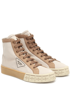 Wheel high-top canvas sneakers