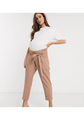 ASOS DESIGN Maternity tailored tie waist tapered ankle grazer trousers-Beige