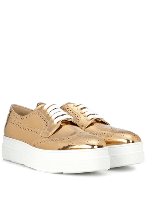 Metallic leather platform sneakers