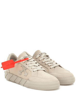 Low Vulcanized suede sneakers