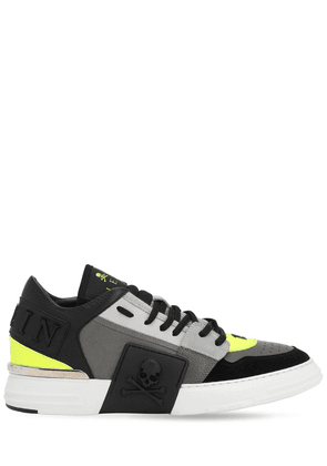 Mix Leather Skull Sneakers