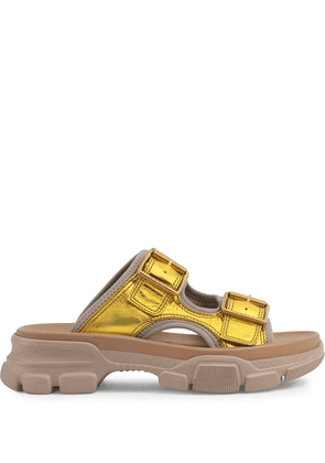Gucci chunky sole buckled sandals - GOLD