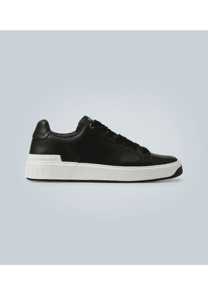 Logo detail leather sneakers