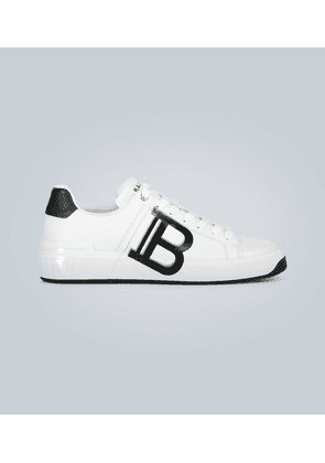 Leather low-top sneakers with logo