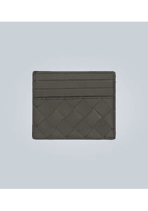 Leather cardholder with weave motif