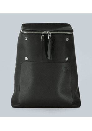 Expandable leather backpack