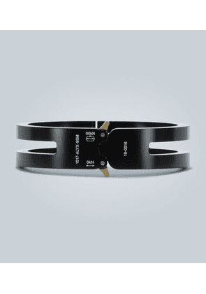 Metal cuff with buckle