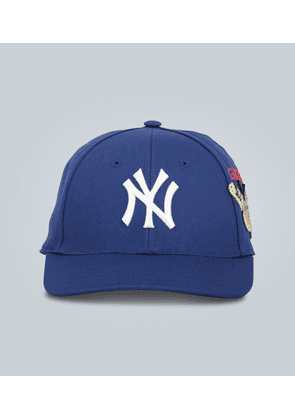 Embroidered cotton baseball cap