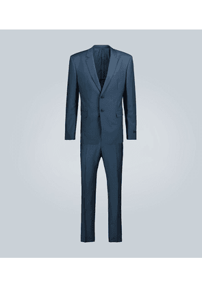 Single-breasted wool and mohair suit