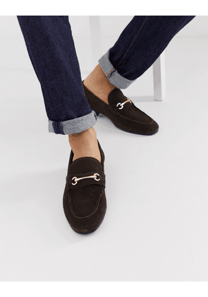 ASOS DESIGN loafers in brown suede with gold snaffle
