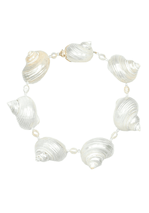 Shell and Baroque pearl choker