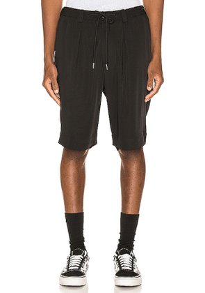 Drifter Laurie Trouser Shorts in Black. Size 30,34.