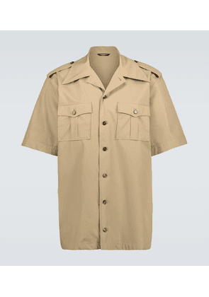 Short-sleeved safari shirt