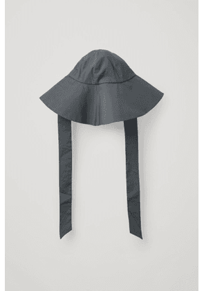 LARGE BRIM HAT WITH TIES